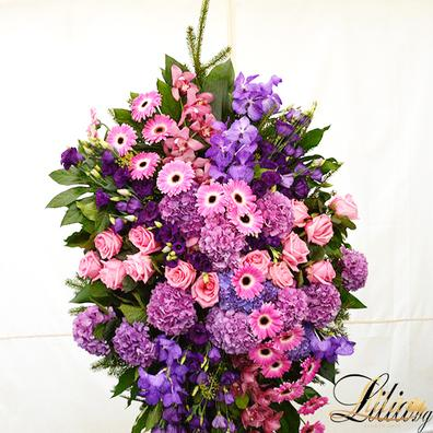 Funeral wreath with orchid, gerbera, hydrangea, eustoma and rose